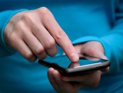 Nên mua điện thoại giá rẻ dòng nào dòng nào?